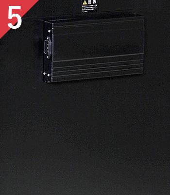 除湿方式は無音、無振動のベルチェ式を採用